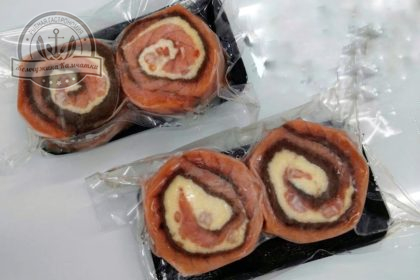Рулет из семги с сыром и креветками ~250 гр